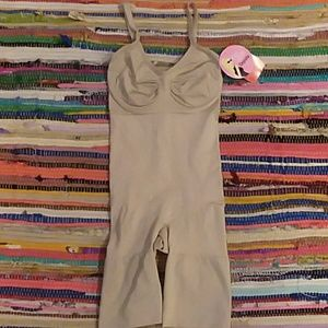Spanx midthigh shape suit Size Small